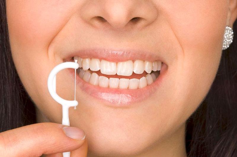 Zahnarztpraxis Mügeln - Prophylaxe Erwachsene